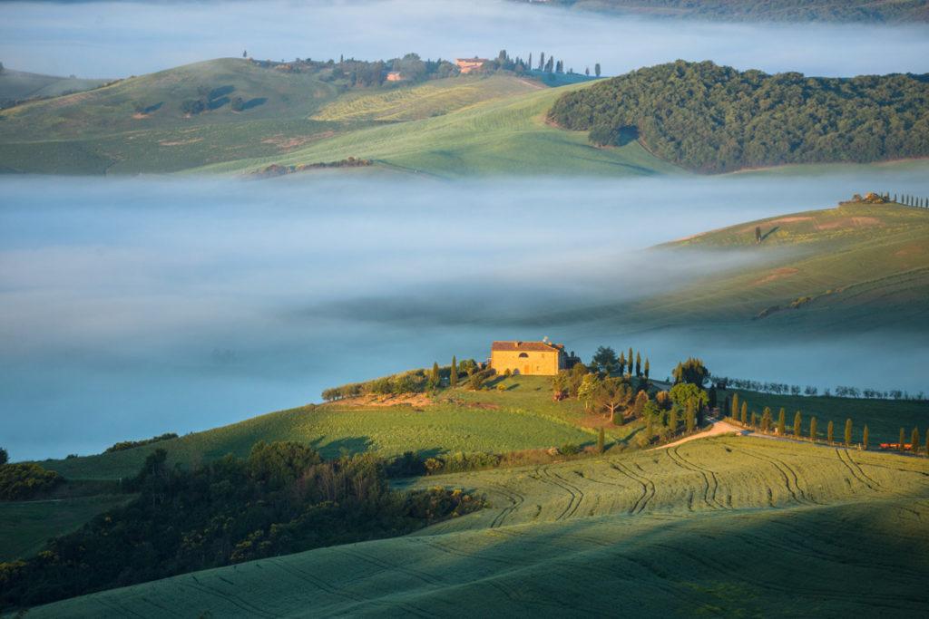 Brume et lumière lors du séjour photo en Toscane dans le Val d'Orcia