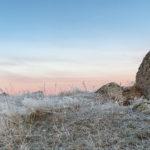 Lever de soleil hivernal pendant un stage photo en Aubrac