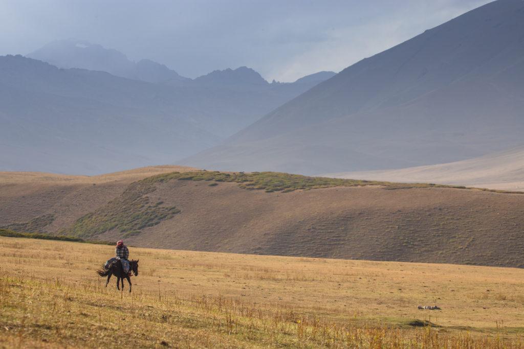 Un oeil sur la Nature | KIRGHIZSTAN – Voyage au pays des nomades